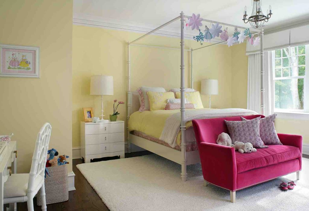 Girls Bedroom Decor - How to Make a Bed